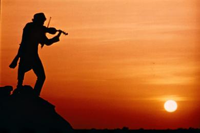 弾き の 屋根 上 の ヴァイオリン